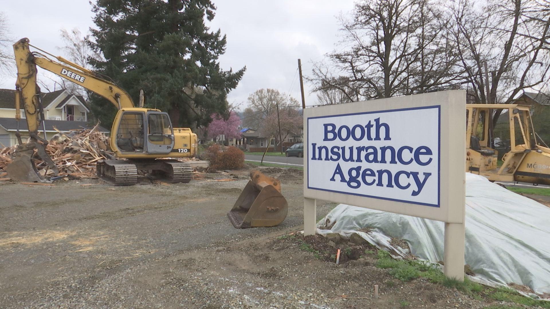 Old Booth Insurance building demolished - KOBI-TV NBC5 ...