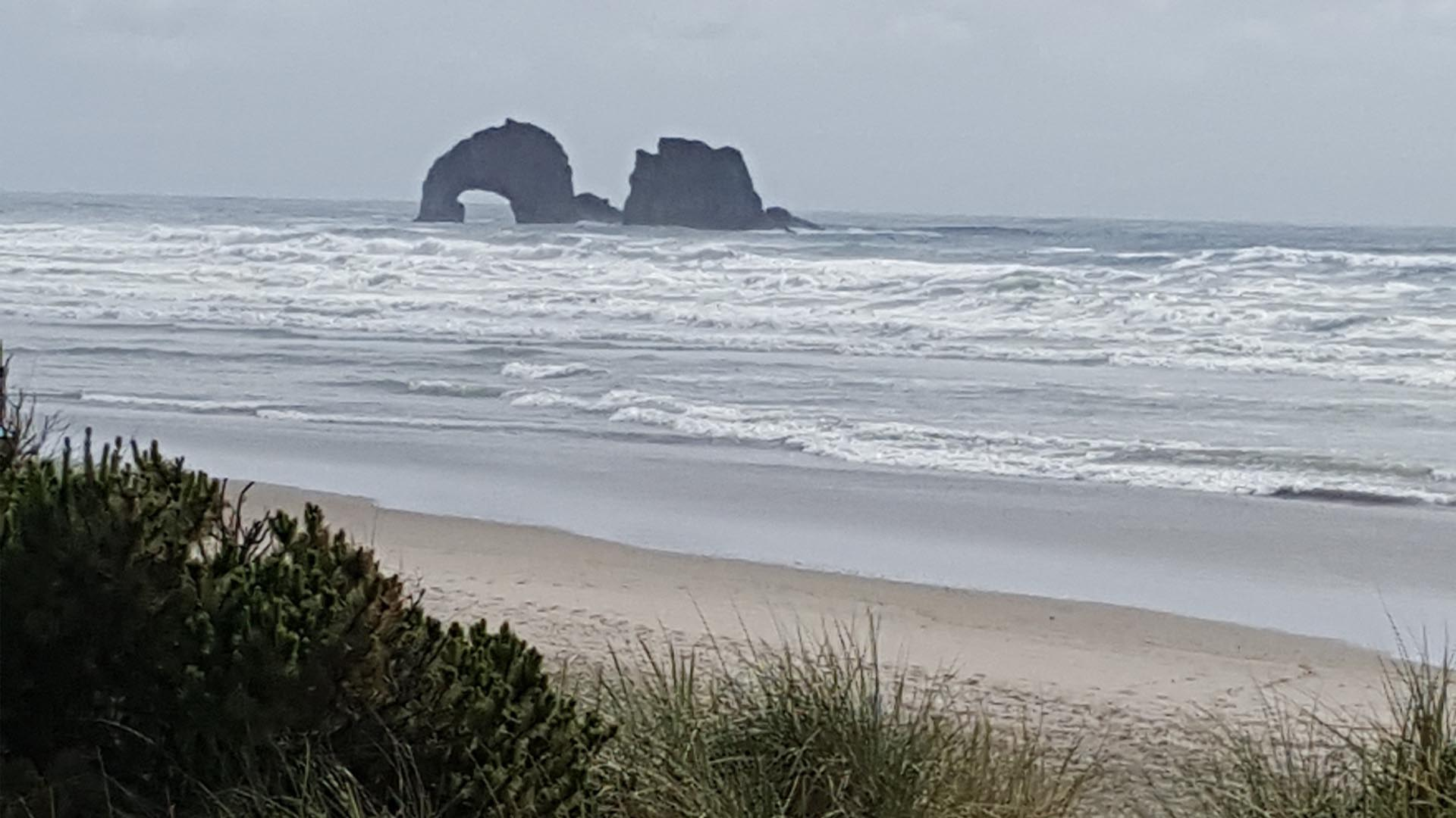 Rockaway Beach Ore A Father D While Trying To Rescue His Son From Drowning In The Pacific Ocean Near Oregon