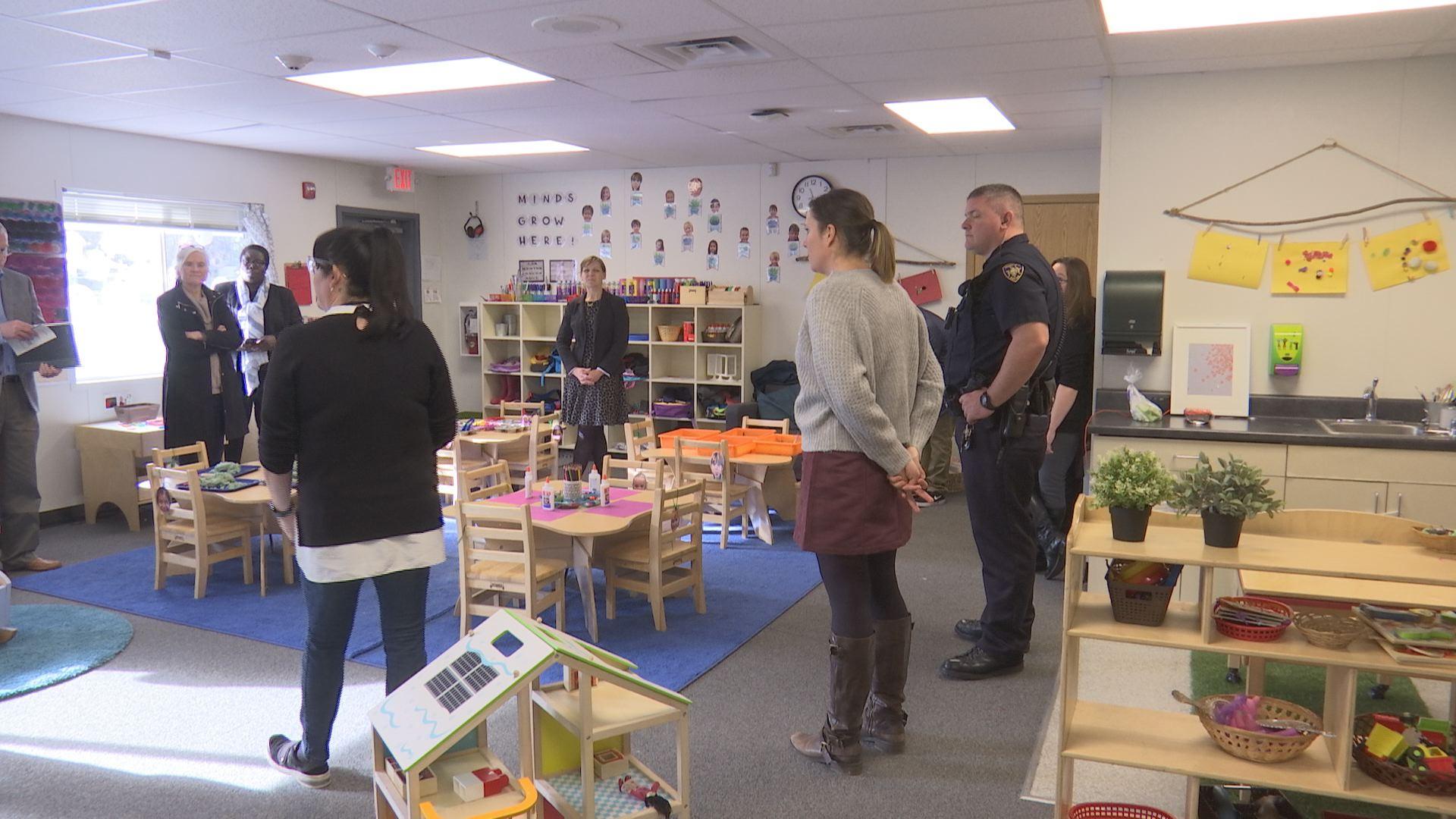 Oregon District Christmas Tour 2019 Lawmakers tour Medford School District to learn about preschool