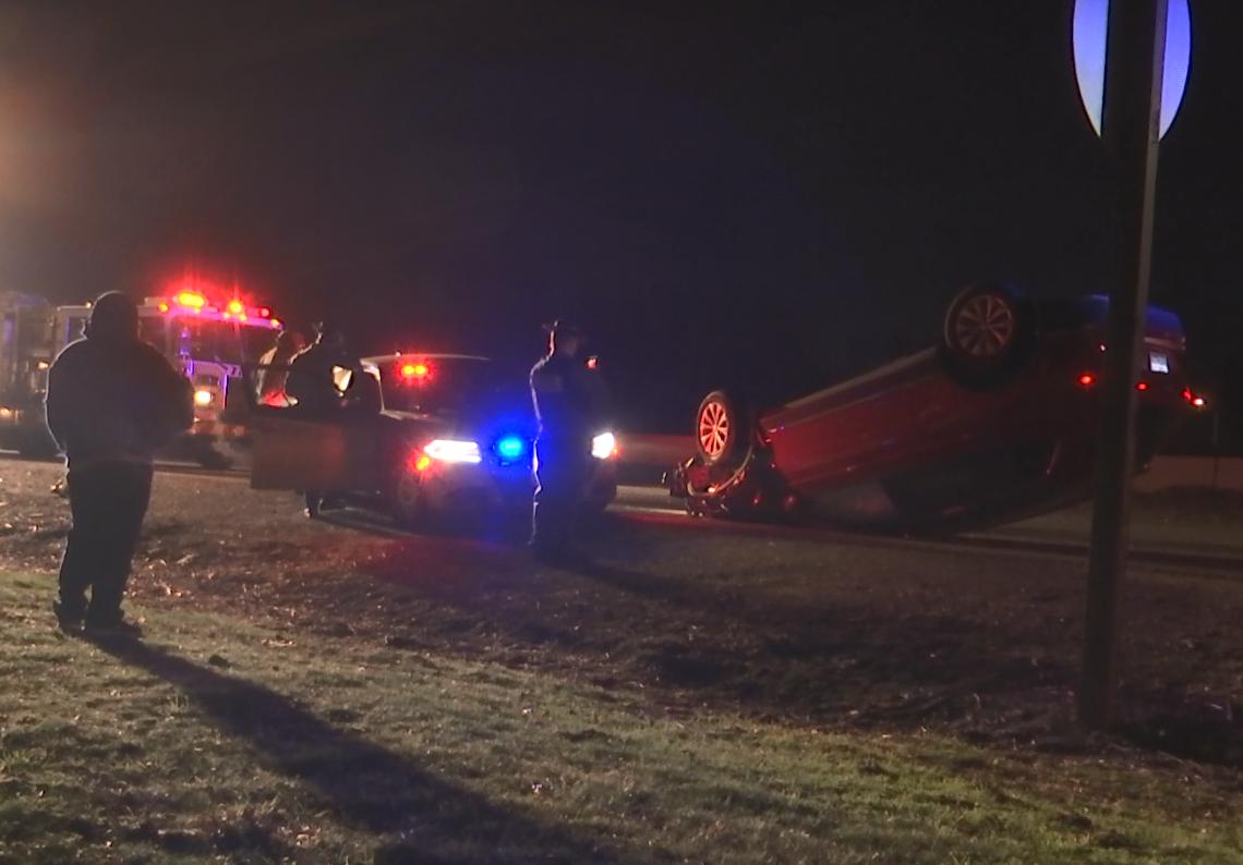 Two injured in rollover crash on I-5 - KOBI-TV NBC5 / KOTI