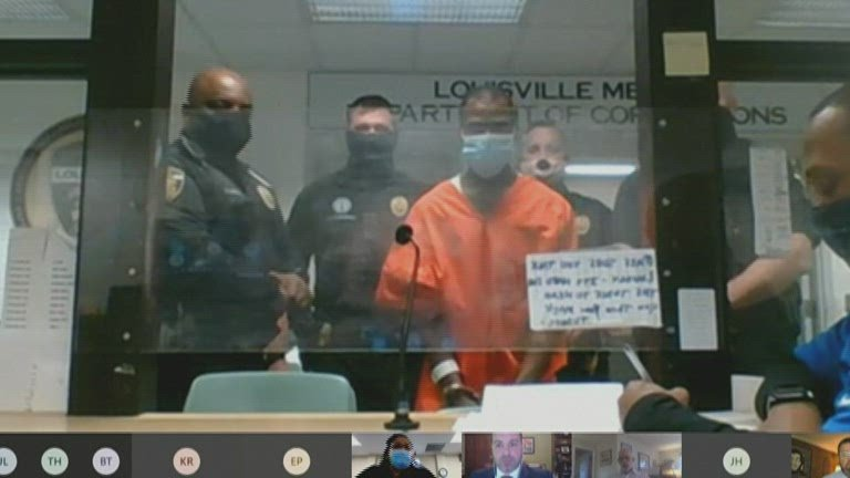 Suspect Accused Of Shooting Louisville Officers Appears In Court Kmvu Fox 26 Medford