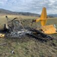 Small plane crashes near White City